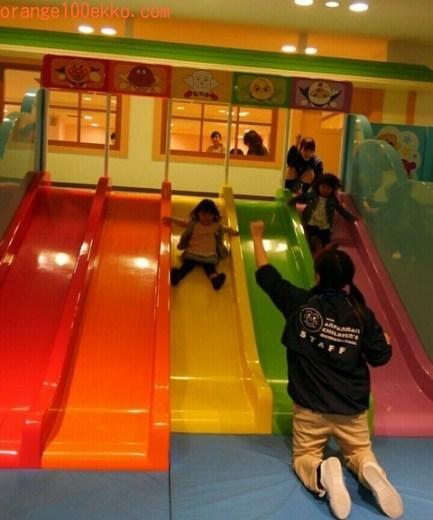神戸アンパンマンミュージアム&モール 滑り台