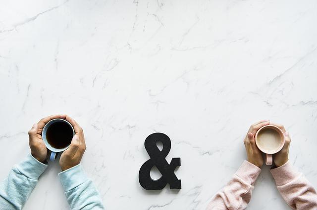 ふたつのコーヒーカップ